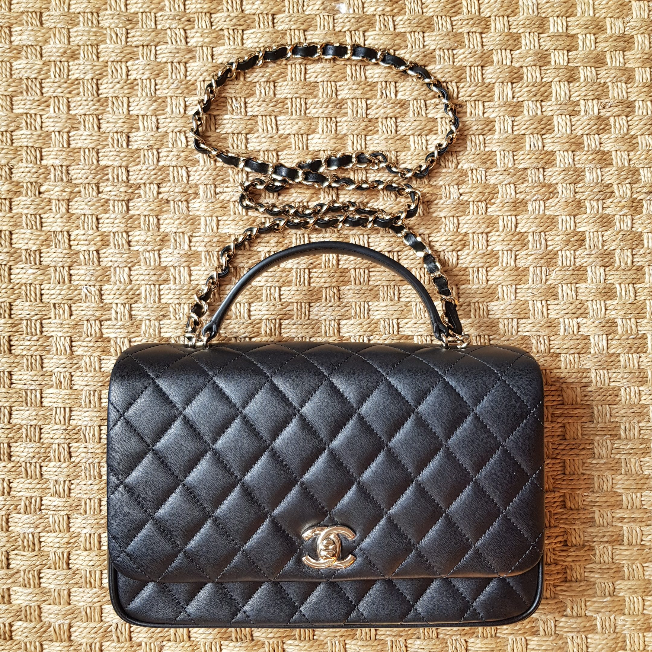 99b54daf45de Nope sorry it doesn't come in caviar leather, at least not yet. The kelly-  esque top handle- style bag comes in 3 different sizes. The mini, which is  ...